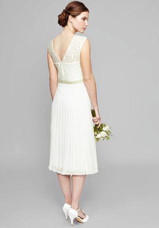 wedding dresses under £100